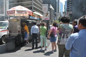 O que se come na rua em mais de 30 destinos