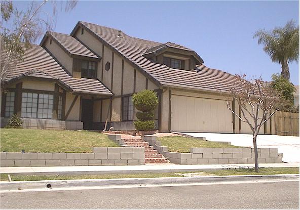4264 Roxbury Street, Simi Valley, Califórnia – Poltergeist