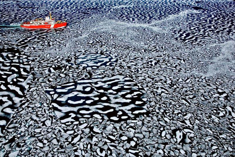Quebra-Gelo da Guarda Costeira Canadense, em Resolute Bay