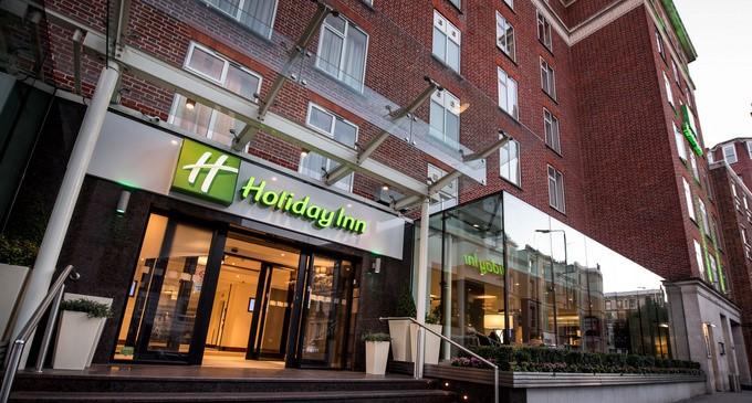 Holiday Inn, na Kensington High Street