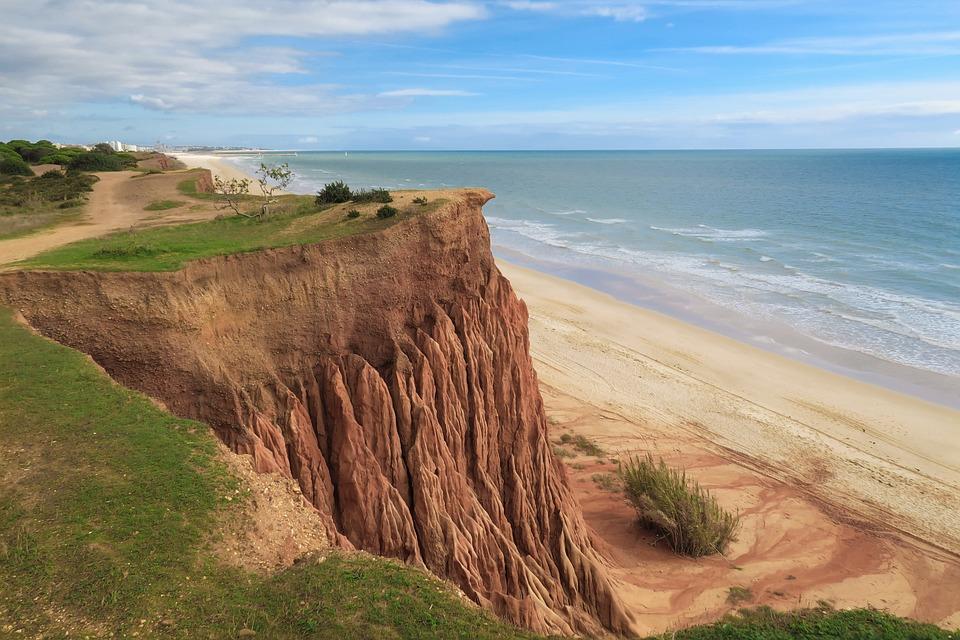 11 lugares imperdíveis para visitar no Algarve