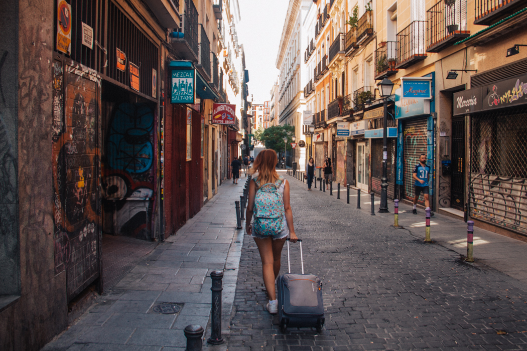 Morar e trabalhar no exterior, será que vale a pena?