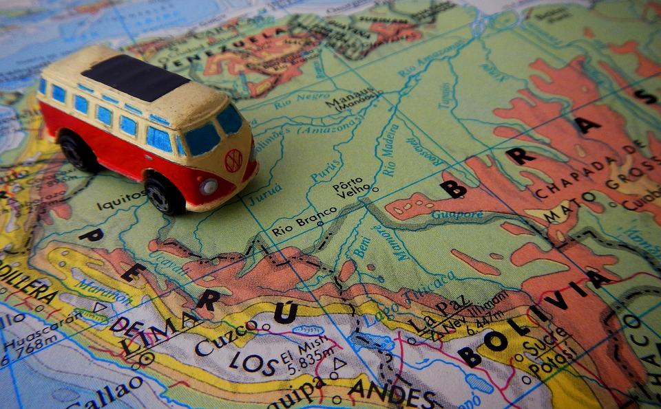 13 situações engraçadas e caóticas em uma viagem multigeracional