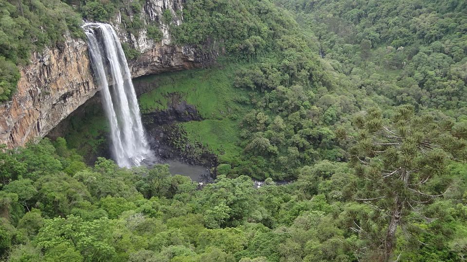 melhores destinos Brasil para quem curte cachoeiras